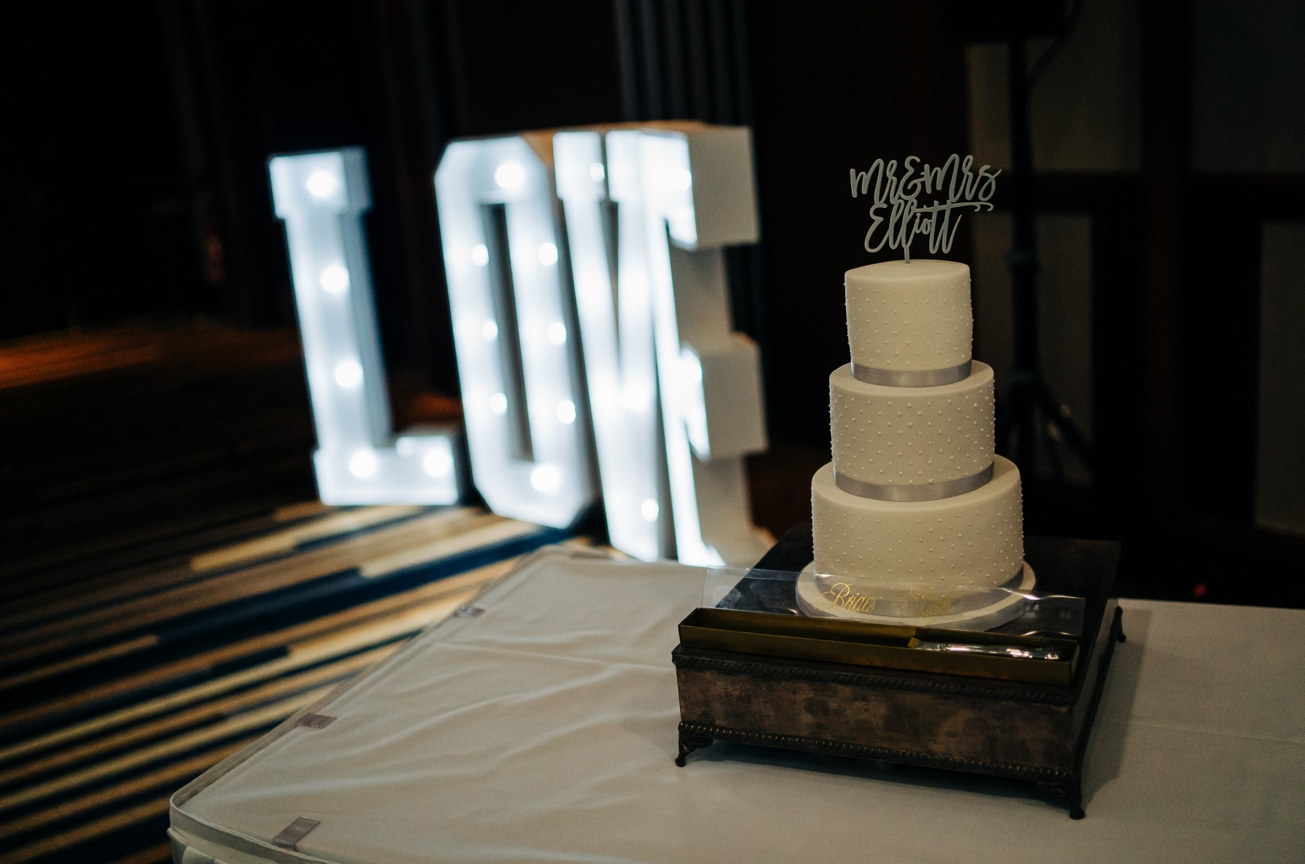Wedding Cake, Love letters, Mercure hotel Sheffield, Wedding Day